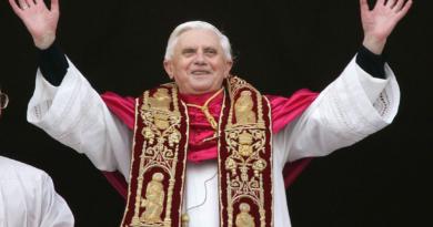Венедикт XVI представляє молоді святого Івана Боско як «вчителя життя»