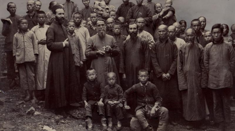 Салезіянські мученики: єпископ Луїджі Версілья та отець Каллісто Караваріо