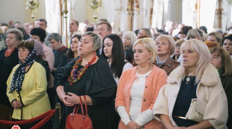 Запрошуємо на Хресну дорогу Діви Марії!