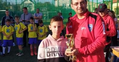 """Ми даємо можливість  хлопцям грати  у футбол""""- отець Анатолій (Гецянин), СДБ"""